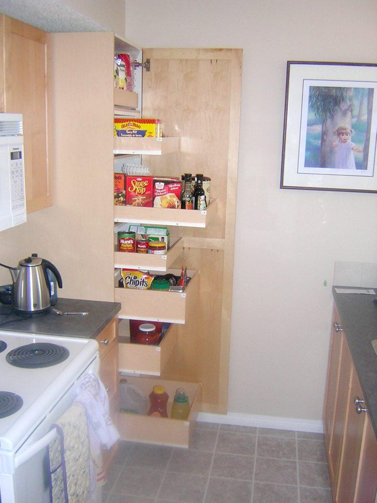 Custom Roll-Out drawers Kitchen Pantry