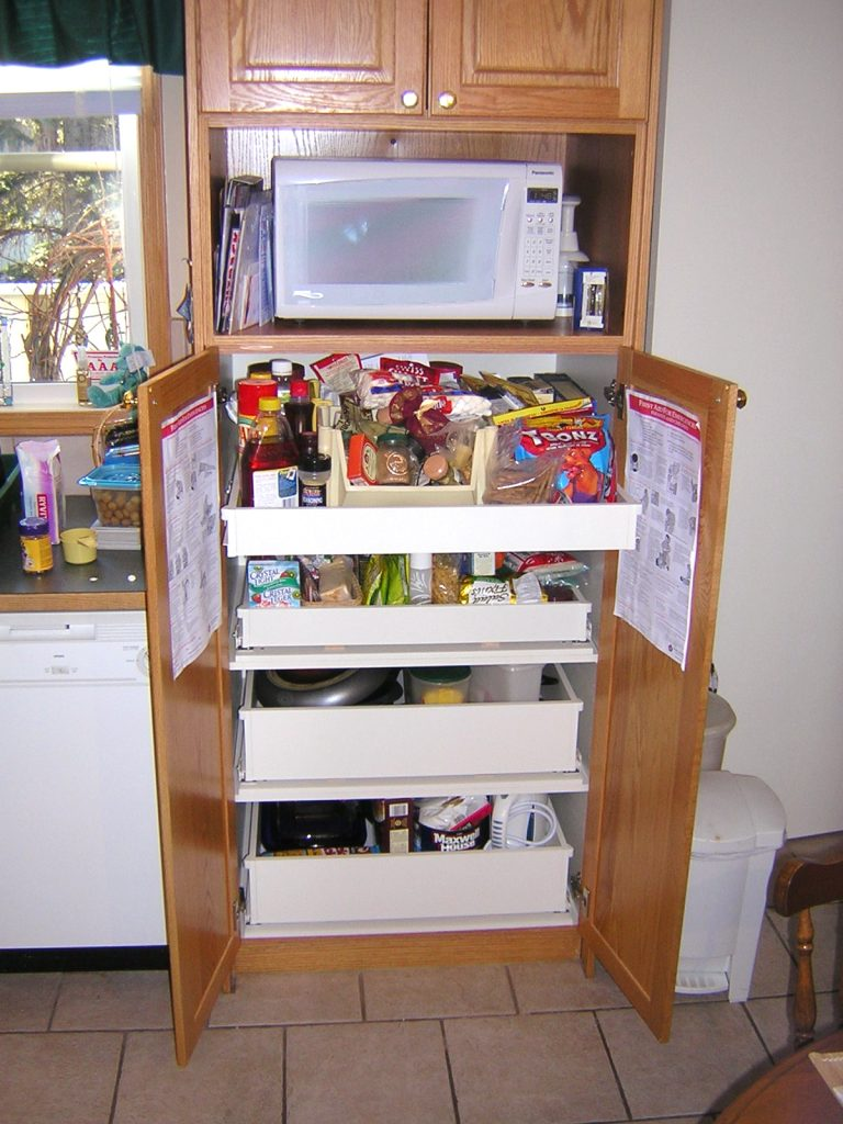 Custom Roll-Out drawers Kitchen