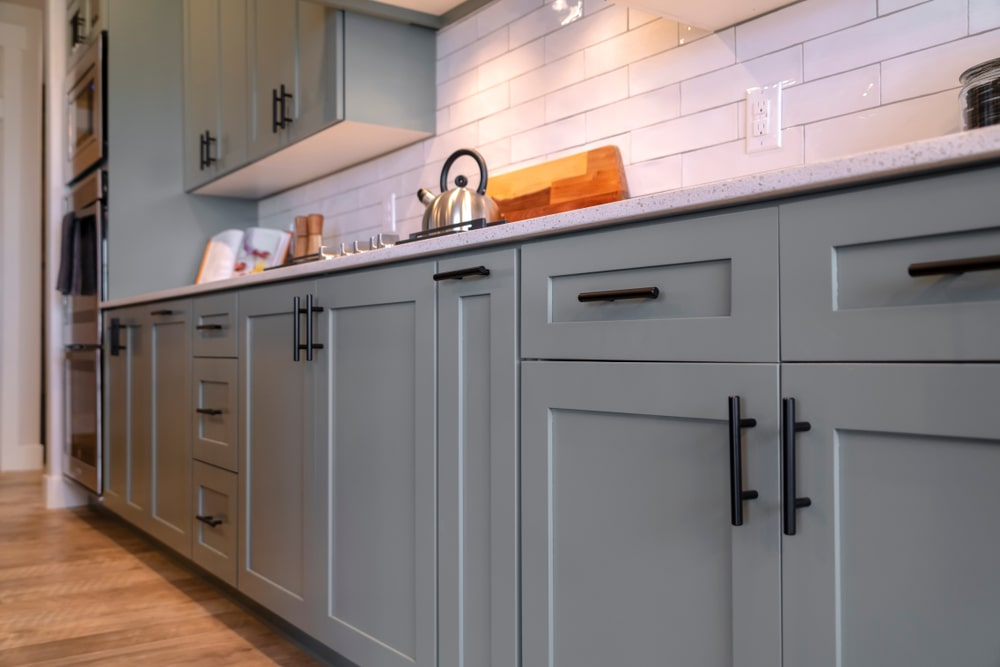 Tips for refinishing kitchen cabinets